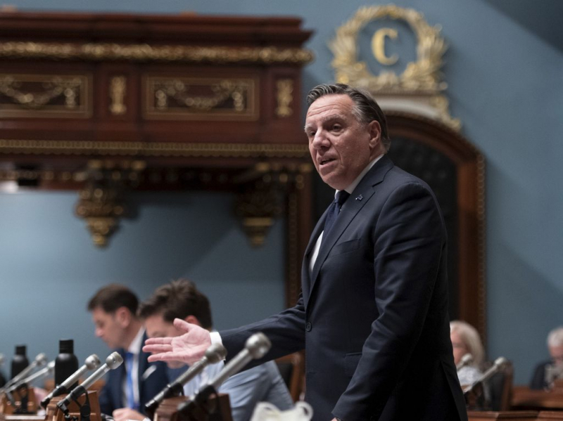 François Legault flies to the rescue of the Minister of Indigenous Affairs