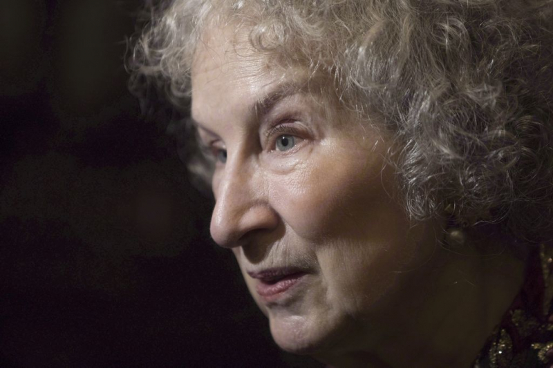 Margaret Atwood returns to poetry